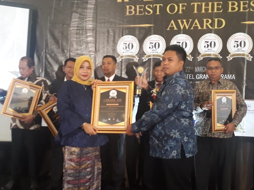 Koordinator Tim Hukum Khofifah raih predikat The Best Lawyer nasional